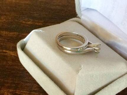 Diamond Engagement Ring and Wedder Bowen Mountain Hawkesbury Area Preview