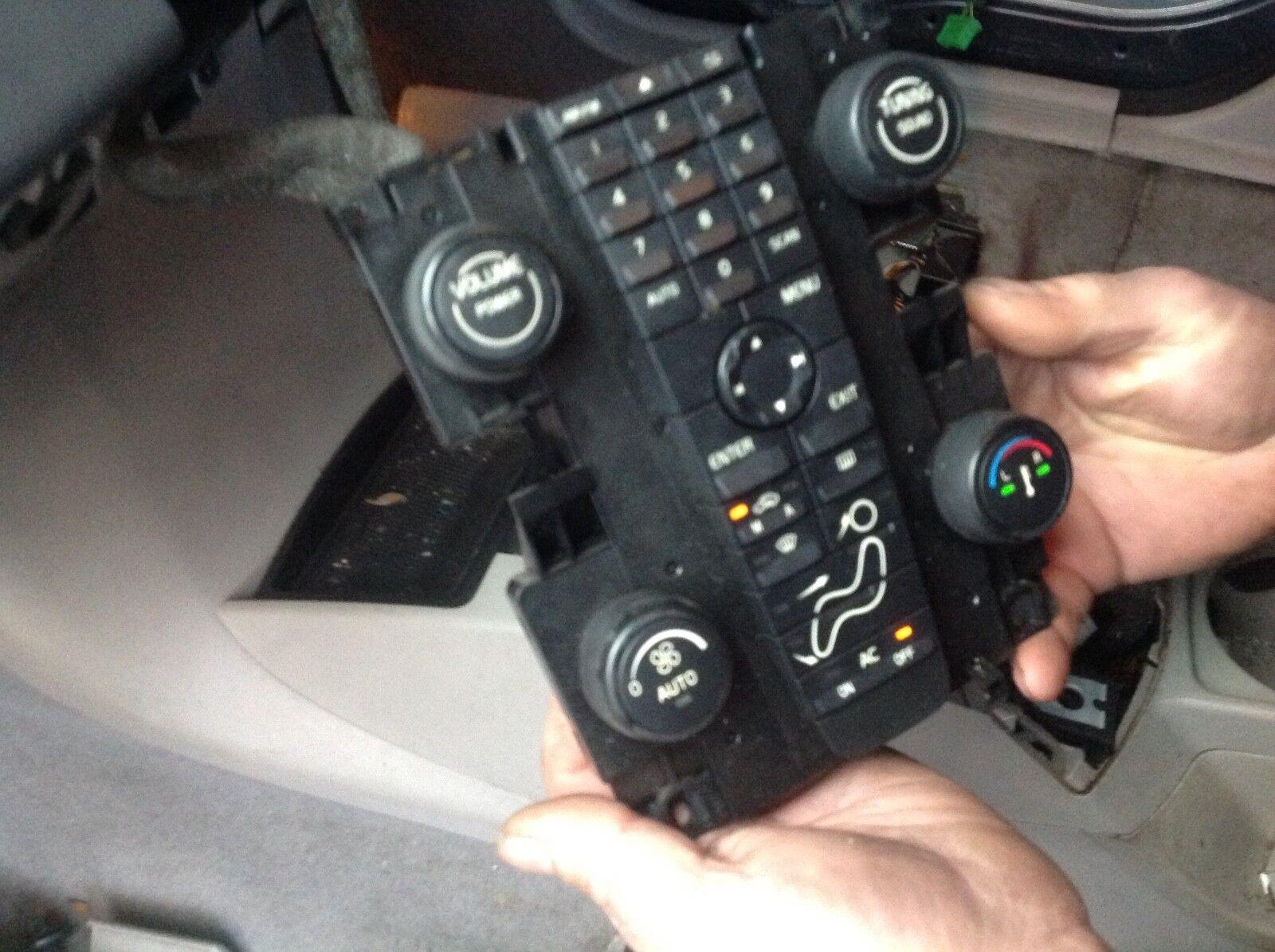 Volvo V50  Centre AC / Radio Controls