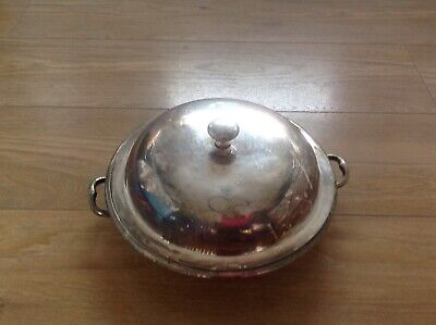 Silver serving dish /tureen heavy item weighs around 2.5 kilograms decorative