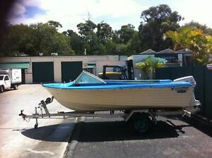 14ft sportsman craft fibreglass/tilt trailer/55hp johnson
