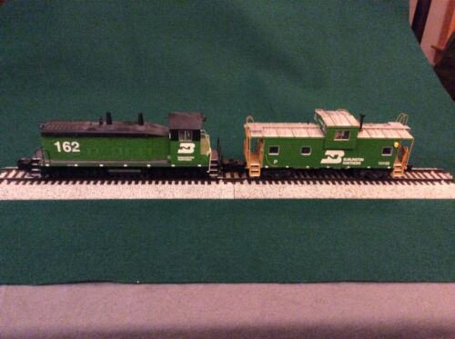 The Showcase Line SW-12 Burlington Northern #162 and Caboose #10152  S-Scale
