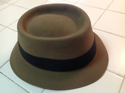 the best attitude 61c3d a1ea4 Stetson 7 1 2 Inspector Gadget Fedora Hat Signed By Mathew Broderick