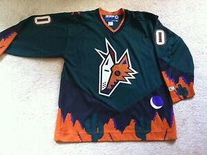 a96c2d8ea low price vintage phoenix coyotes jersey black 1999 2003 ff83c 124bc