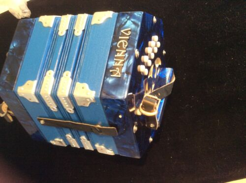 VIENNA FI-120 Anglo-Style 20 Button Concertina, free carry case