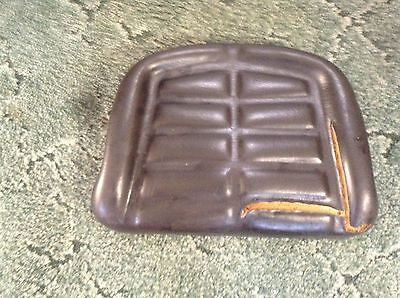 Esl11581 - A Used Seat Bottom For A Farmtrac 35 45 60 70 80 435 Tractors