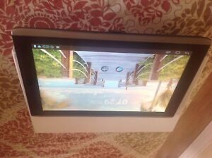 Acer Iconia A500 Excellent condition comes with charger