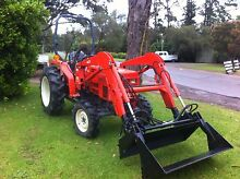 Kioti 30HP 4x4 4in1 bucket  front end loader 200hrs Kangaroo Valley Shoalhaven Area Preview