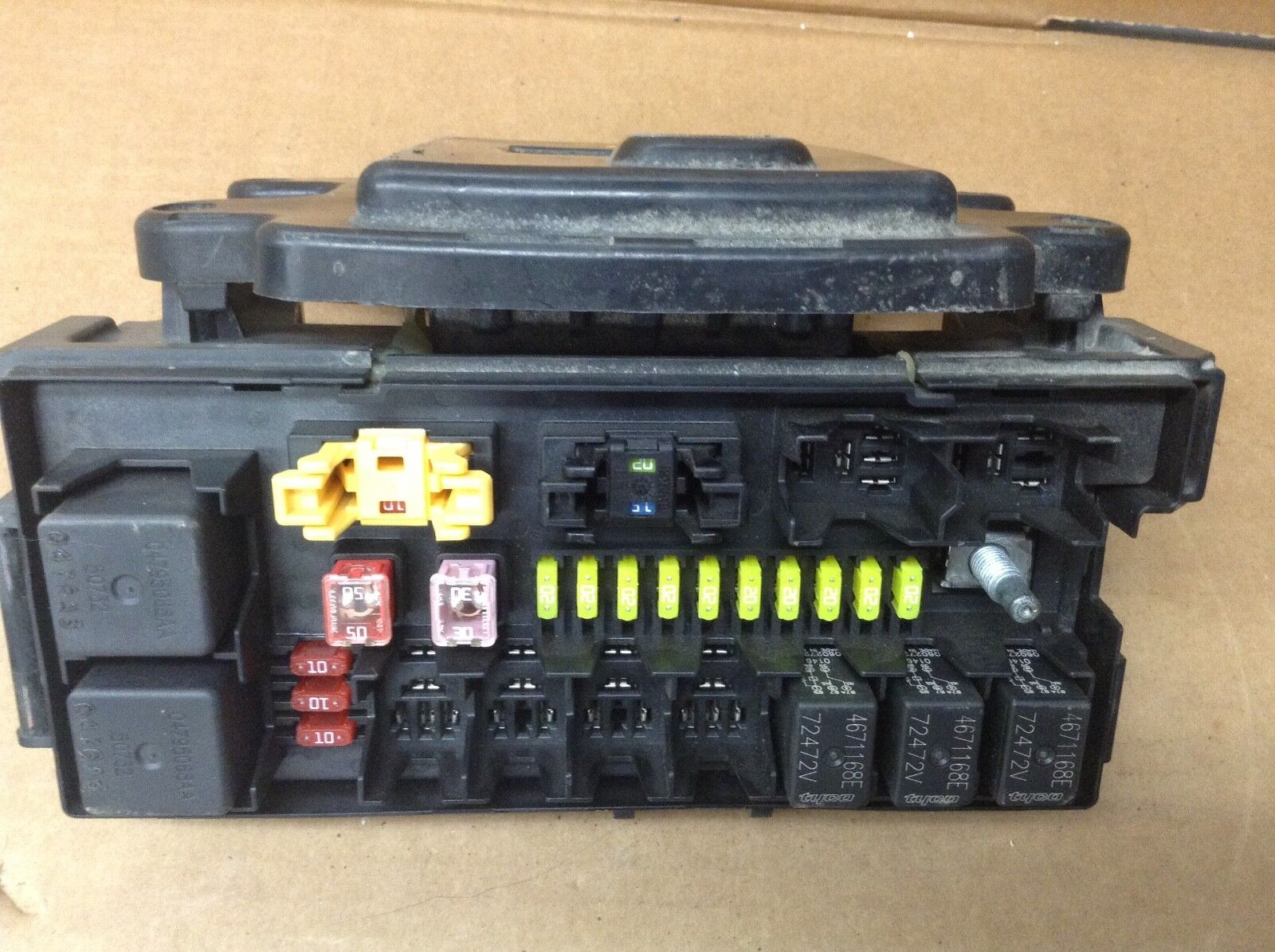 Used 2006 Jeep Grand Cherokee Computers Chips Cruise Control And Fuse Box Chassis Module 591 02574