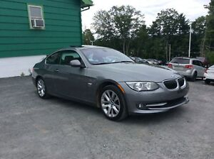 2011 BMW 3 Series 328i COUPE X-DRIVE MANUAL SHIFT - LEATHER INTE