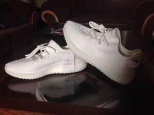 Factory laced cream white Yeezys with tag