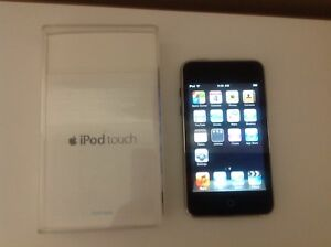 Apple iPod Touch, 2nd Generation, Model A1288, 8GB