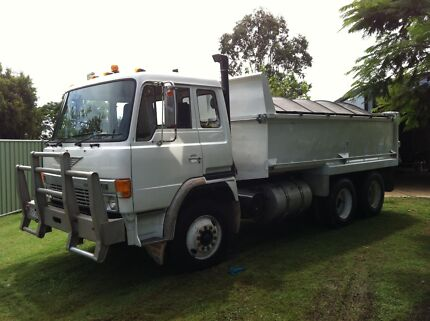 TIPPER TRUCK HIRE $70/hr+ Raceview Ipswich City Preview