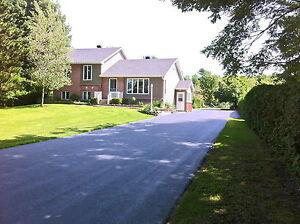Belle maison avec grand terrain + entrepot