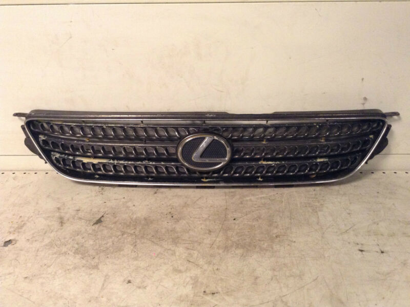 LEXUS IS200 IS300 FRONT GRILL GRILLE 53101-53070