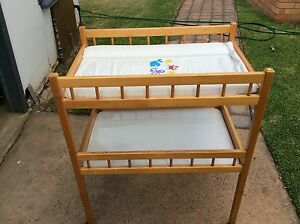 Baby change table Shortland Newcastle Area Preview