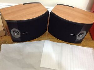 2xBose301 Direct/Reflecting Main / Stereo Speaker with stands and speaker cables