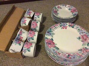 Dinner plates and cup set Mandurah Mandurah Area Preview