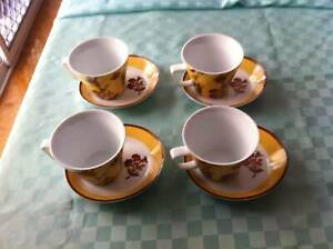 VINTAGE esQue AMBER FLORAL DESIGN TEA / COFFEE SET