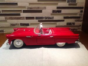 Revell 1955 Red Ford Thunderbird Convertible 1:18 (1990)