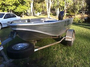 Sea Jay Nomad 3.5 Tinnie & Evinrude motor (15HP) Beachmere Caboolture Area Preview