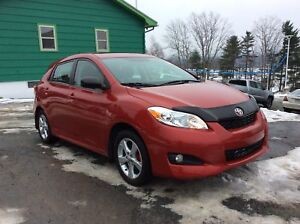 2013 Toyota Matrix TOURING PACKAGE - SUNROOF - ALLOYS - A/C - BL