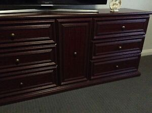Set of drawers and side table Elderslie Camden Area Preview