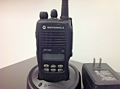 Motorola Ht1250 Aah25kdf9aa5an Charger Antenna Used Battery Free Programming