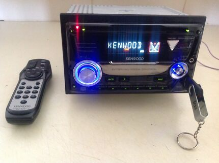 KENWOOD DOUBLE DIN CD/MP3/CD-R/AM/FM/AUX/USB-REMOTE-MAKE AN OFFER
