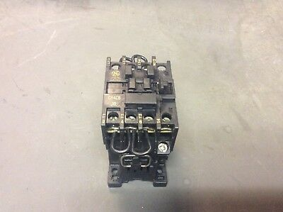 General Electric Contactor, CR4CB / CR4CB-10, 110-120 Coil, Used, Warranty