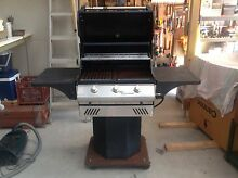 Pedestal BBQ Professional Series Seaham Port Stephens Area Preview