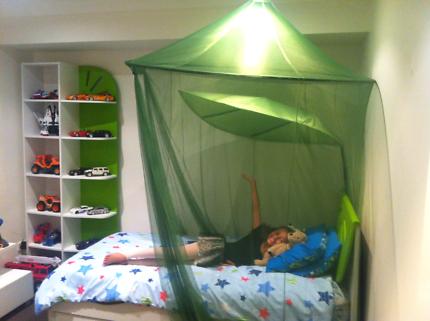 Single Bedroom Suite White  & Green