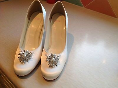 Else wedding bridal shoes ivory silk size 4 / 37 dyeable chic brooch detail (Dyeable Silk Wedding Shoes)