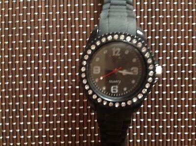 Time Elements Damen Uhr sehr schönes Model in Schwarz