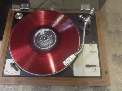 Gira discos TEAC TS-130  $_75