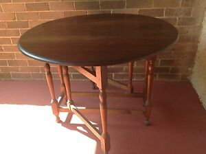 VINTAGE  DARK OAK GATE LEG DROP SIDE  TABLE Daceyville Botany Bay Area Preview