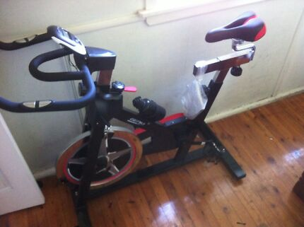 Selling spinning bike Fairfield East Fairfield Area Preview