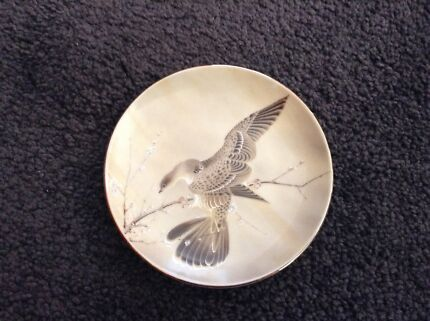 SAJI fine china bird plate