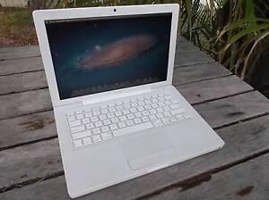 "Macbook 2008 13.3"" Apple laptop Salamander Bay Port Stephens Area Preview"