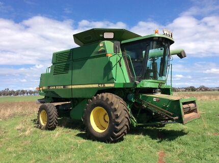 John Deere  harvester, header CTS