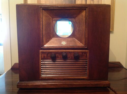 "Retro Vintage Prewar Television 1929 Port Hole Style with 3"" Screen"