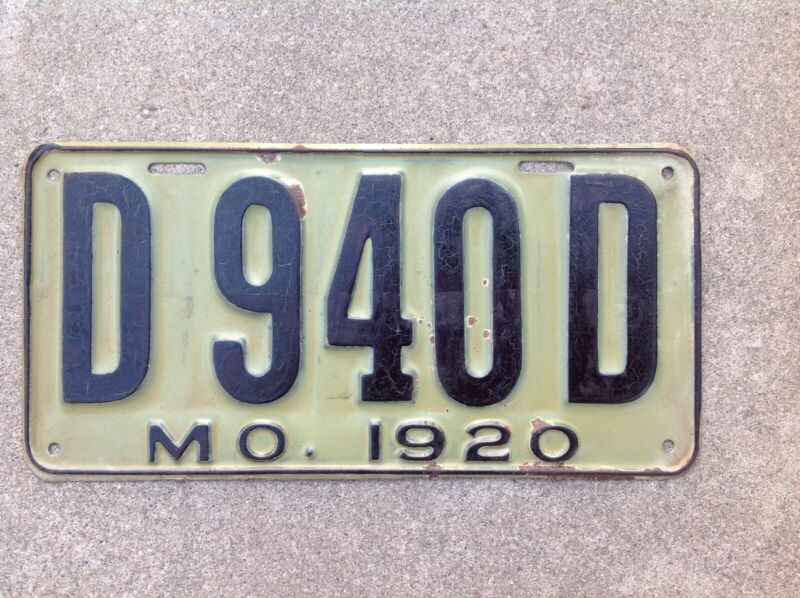 1920  MISSOURI - DEALER - LICENSE PLATE - ORIGINAL PAINT - VERY NICE
