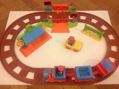 ELC Happyland Country Train Set With Moving Train & Sound Crossing & - Moving Train Set