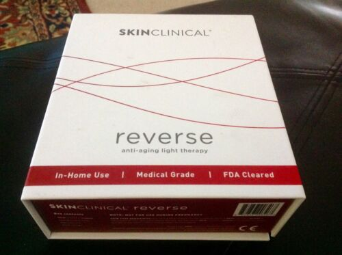 Skinclinical Reverse anti-aging light therapy device