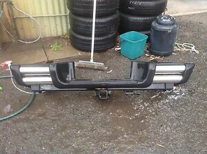 Ford ranger 2010 react bumper and tow bar Kelmscott Armadale Area Preview