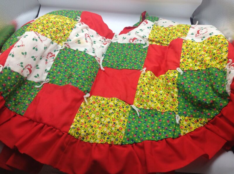 Vintage Christmas Tree Skirt Patchwork Quilt Red Green Ruffle Edge Holiday Decor