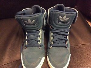 Adidas high top neo lable size 9
