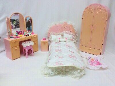 1987 Mattel Barbie Sweet Roses 5 pc. Bedroom Furniture & accessories