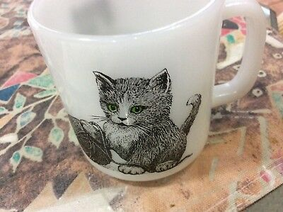 - Opaque Milk White Glasbake Kitten Cat Green Eyes Yarn Coffee Mug Cup USA