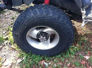 Hilux 4x4 tyres @ mags 31/10.5/15 MT North Tivoli Ipswich City Preview