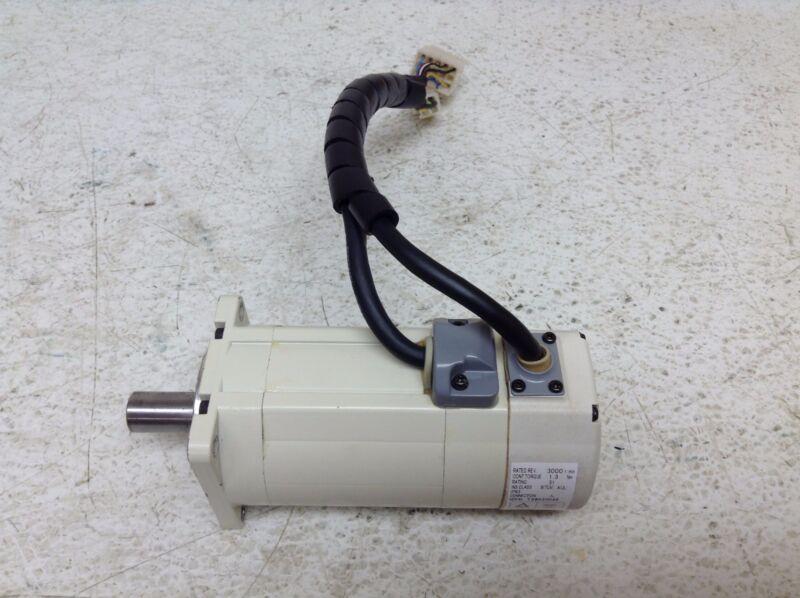 Bosch Indramat MMD042A-030-EG0-KN Servo Motor 106 V 0.4 kW MMD042A030EG0KN